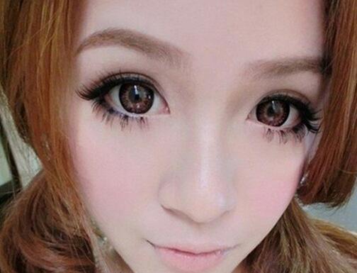 如何让小眼睛学会化大眼妆-南京集红堂化妆培训学校