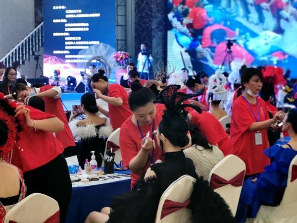 集红堂彩妆集训选手包揽江苏省职业技能竞赛冠亚局