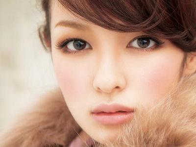 南京化妆培训教你俏丽妆容6步曲